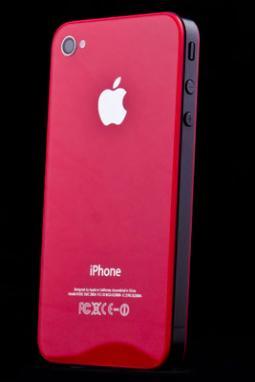 Červené sklo a nový design pro iPhone